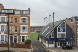 Images for 119 North Marine Road, Scarborough