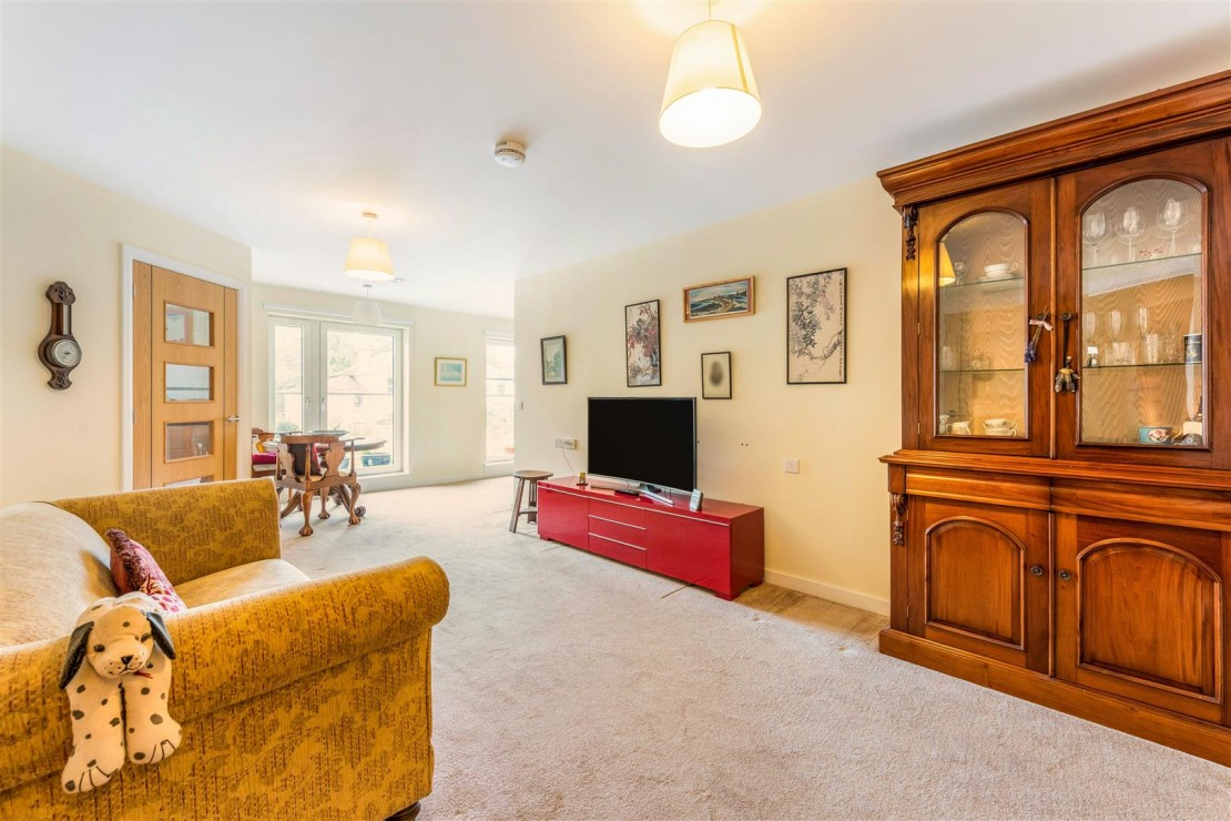 Images for Lyle Court, 25 Barnton Grove, Barnton, Edinburgh EAID:mccarthyapi BID:1