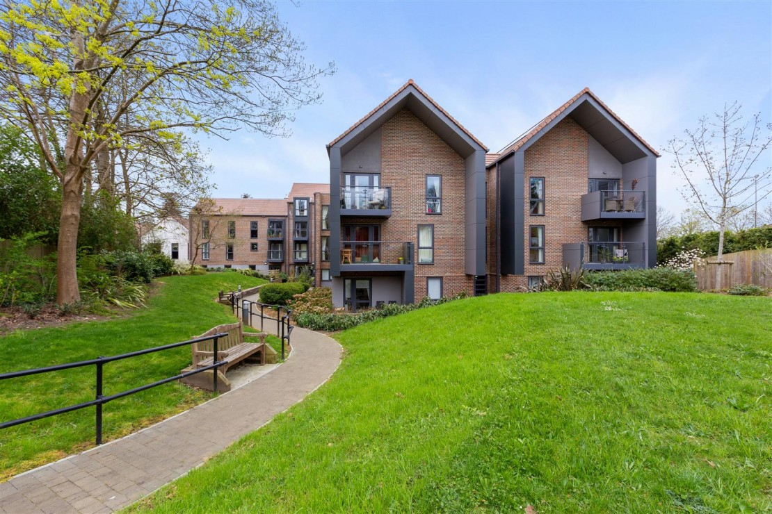 Images for 140 London Road, Guildford, Surrey, GU1 1FF EAID:mccarthyapi BID:1
